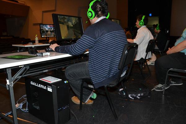 GALLERIA PCを使って「クロスファイア」の大会が行われた