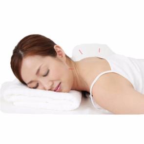 首の痛みの女性